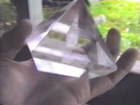 Potassium Alum Pyramid - Stargate Magasine - Healing with emotional music