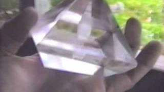 Potassium Alum Pyramid - Stargate Magasine - Healing with emotional music