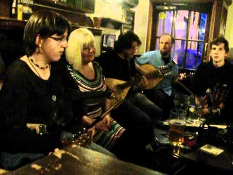 Live folk music in The Fishermans Taverns 2 - Dundee 2012