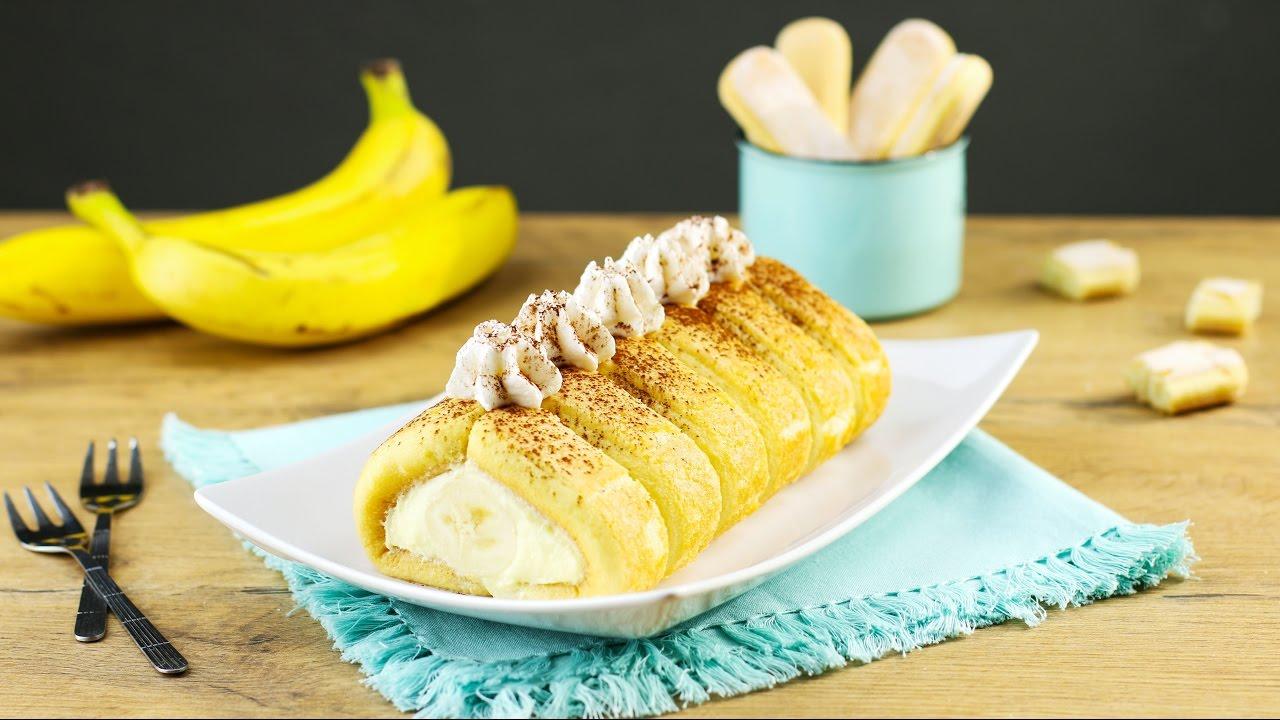 Reichlich langhaarige Brünette Hure steckt Ihre geschwollenen Schlitz mit Banane