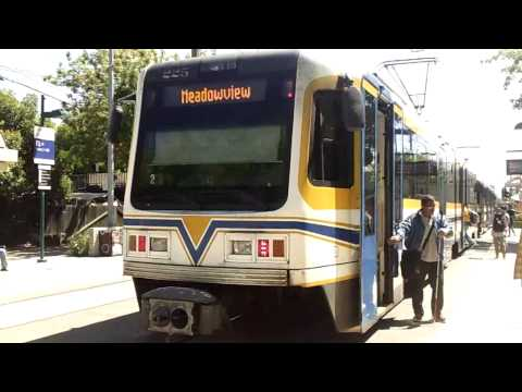 Sacramento Regional Transit: Blue Line Light Rail Action@13th Street Station