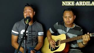 Download #nikeardila #seberkassinarcover Seberkas Sinar - Agus Hernanda COVER