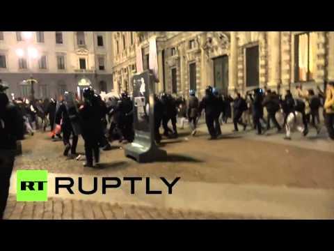 Milan: l'ouverture de la nouvelle saison de La Scala est accompagnée d'émeutes