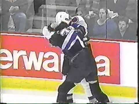 Wade Belak vs Chris McAllister