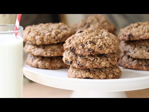 Beth's Ultimate Oatmeal Raisin Cookie Recipe | ENTERTAINING WITH BETH