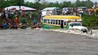 Samoa Bus River crossing 2007 Mali