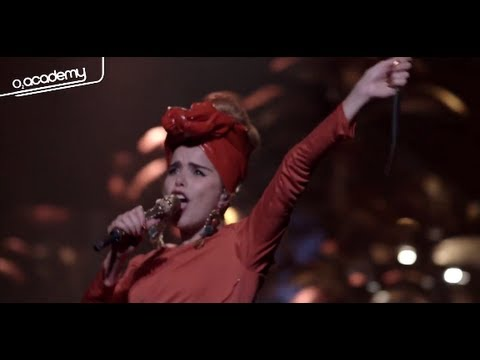 Paloma Faith Live -  'Picking Up The Pieces' at O2 Apollo Manchester