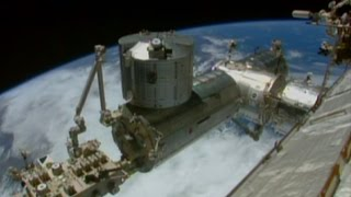 Expedition 42 docking