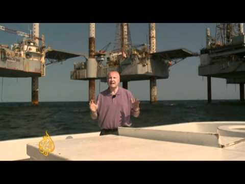 US oil rig workers fear for future
