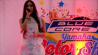 Download Video Rere Regina Cover Butiran Debu @YAMAHA MOTOR SHOW 2016 MP3 3GP MP4