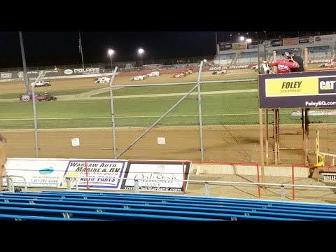 Lucas Oil Speedway B Mod Feature