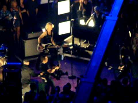 Green Day - Let Yourself Go (2012/09/06 Staples Center, Los Angeles, CA)