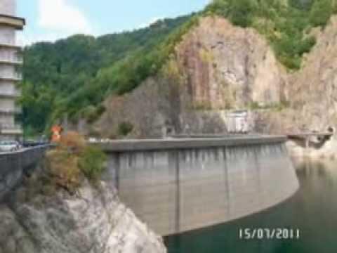 Discover the beautiful lakes in ROMANIA I