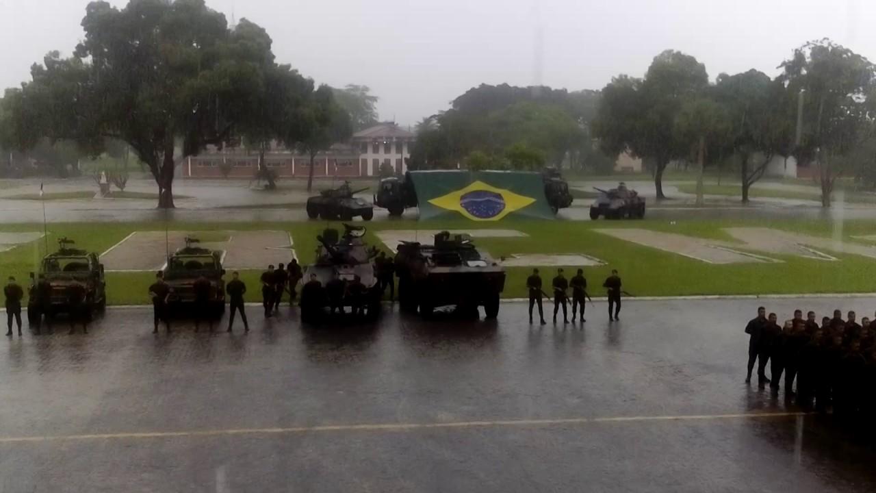 Dia da Cavalaria (16º RC Mec) Formatura entrega da boina preta aos novos  recrutas. d6fd0b1f987