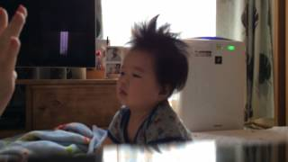 七田式、フラッシュカードを使った0歳教育の実践動画です。 髪の毛がフ...