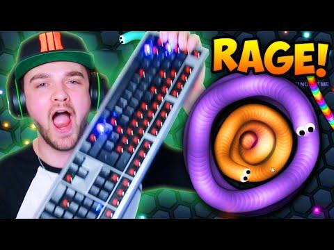 SLITHER.IO RAGE!!! (BROKEN KEYBOARD)