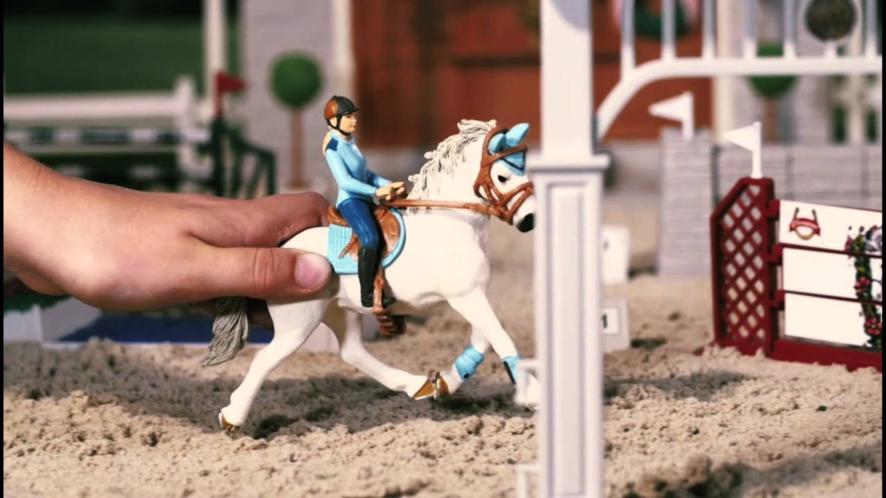 SC42160 Schleich - Big Horse Show Product Video - YouTube