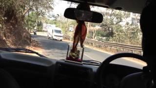 видео Такси и рикши - городской транспорт в Индии