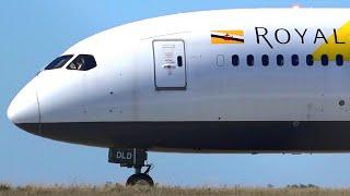 HD Royal Brunei Airlines 787-8 Dreamliner - Landing & Takeoff at Melbourne Airport [V8-DLD]