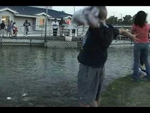 Feeding the fish at joe pool lake youtube for Joe pool lake fishing report