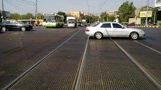 Можно ли ездить по рельсам?(Как правильно пересекать трамвайные пути? Неосторожное вождение по рельсам может привести к заносу и даже..., 2016-07-04T15:00:03.000Z)