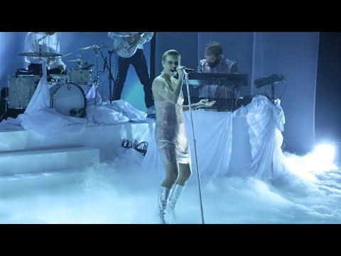 Robyn Takes the Stage with 'Ever Again'