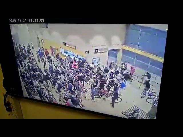 Jueves 21 de noviembre de 2019, saqueos en la localidad de Suba por paro nacional