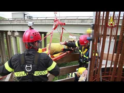 Emergenza in cantiere: operaio colto da malore dutante lavori in quota.