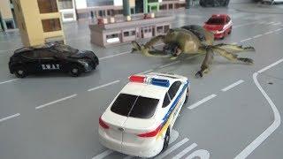헬로카봇! 거대 곤충의 습격을 막아라! 장난감 놀이 Hello Carbot! Stop the attack of giant insects! Toys Play