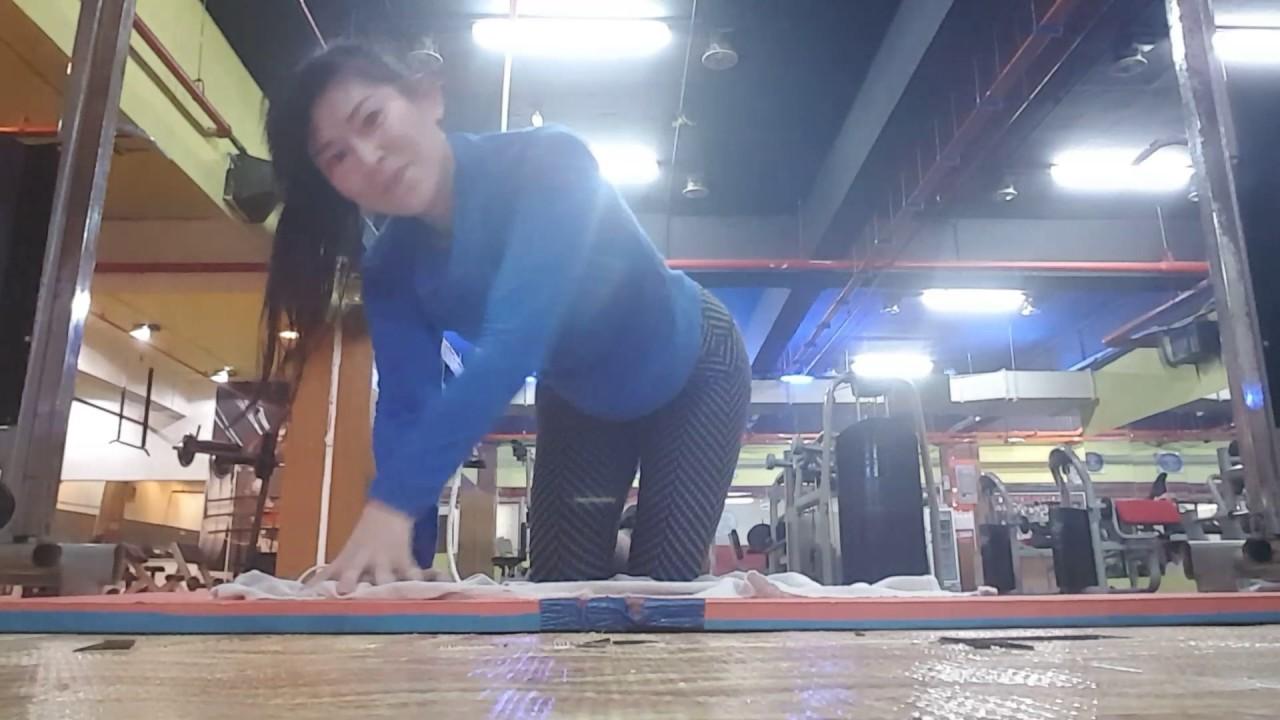 7 Cara Mengecilkan Perut dengan Gym Ball Paling Baik
