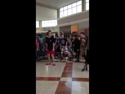 Flash mob Nettleton Middle School