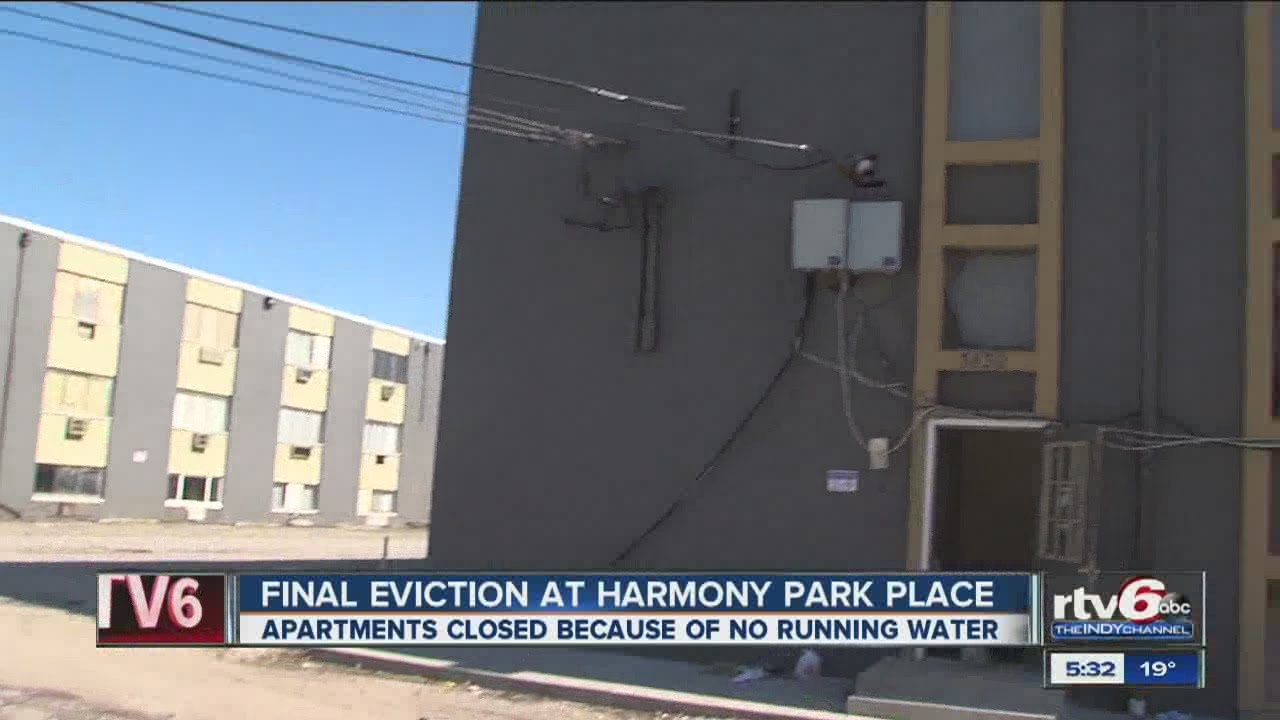Mass evictions ordered at apt. complex - YouTube