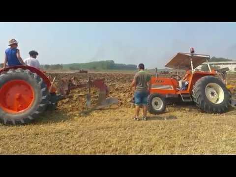 ARATURA DI TRATTORI D' EPOCA A RONCOFERRARO 2016 2 VIDEO
