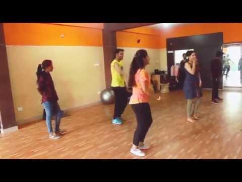 Tukur Tukur FULL VIDEO Song   Dilwale 2015   Shahrukh Khan & Kajol   Varun & Kriti !