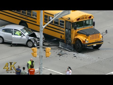 "Mississauga: School bus accident caught on tape at ""The 4K Guy"" HQ 6-1-2017"