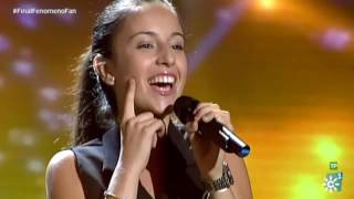 "Fenomeno Fan | Victoria interpreta ""Uno x Uno"" de Manuel Carrasco en la final del concurso"