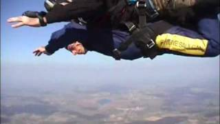 Tandem-Fallschirmsprung aus 4000 Meter Höhe (1 Minute freier Fall)