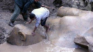 古代エジプト王、ラムセス二世なのか?カイロの住宅地から3000年前の巨大な像が発掘される
