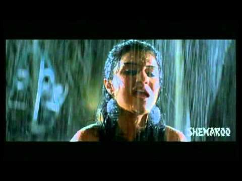 Amruta Subhash and Subodh Bhave Scene - Tya Ratri Paus Hota - 2010 Movie