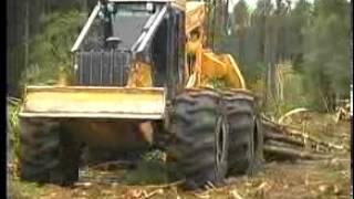JohnDeere speciální lesní traktor