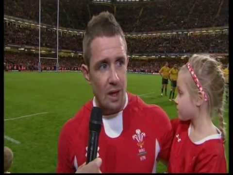 Shane Williams' last  try and emotional interview