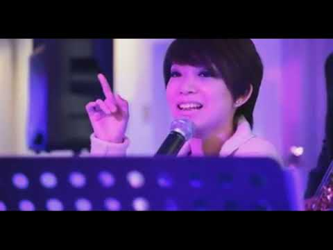 Onstage - Chinese Singer - Sydney - 4444