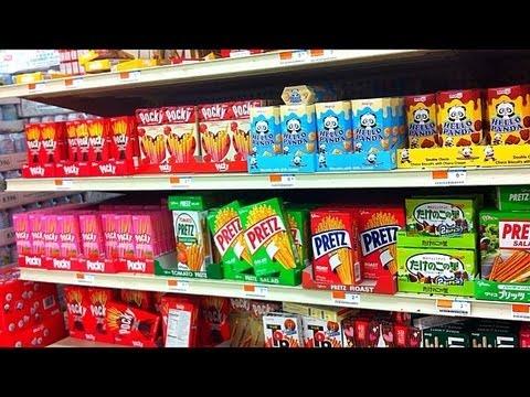 ☆Follow Me Around: Asian Snack Shopping! + Asian Snacks at WALMART?!