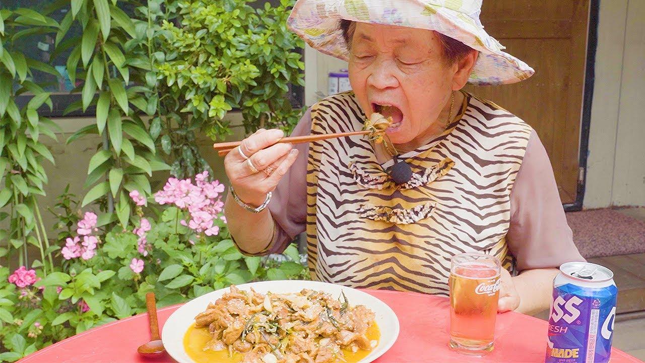 영원씨 미나리 오리 주물럭 먹방 鴨の味付け炒め食べる Marinated Grilled Duck mukbang