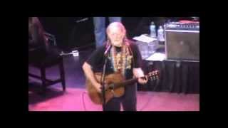 Willie Nelson Sings