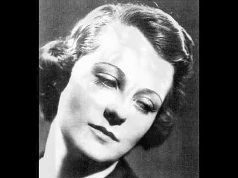 Irène Joachim sings chansons françaises!