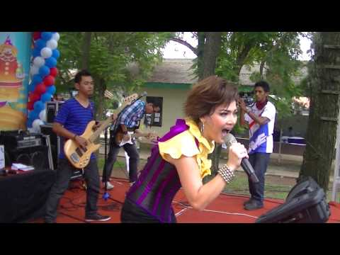 Irma Darmawangsa Show Penonton Histeris
