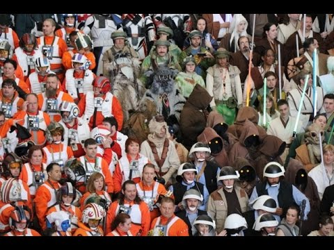 Star Wars Celebration Orlando 2017 Day Two: Last Jedi Trailer Reaction, Con Floor, Panels, 501st Leg