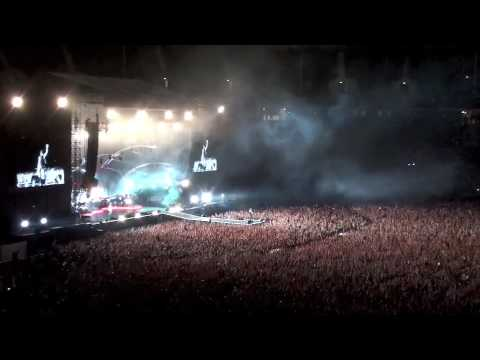 Depeche Mode - Berlin 2009 - 136000 HANDS IN THE AIR ! - Never let me down again HD