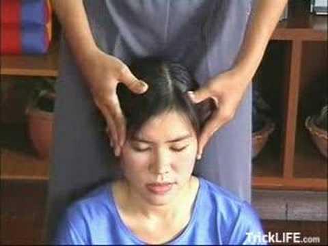 thai massage give